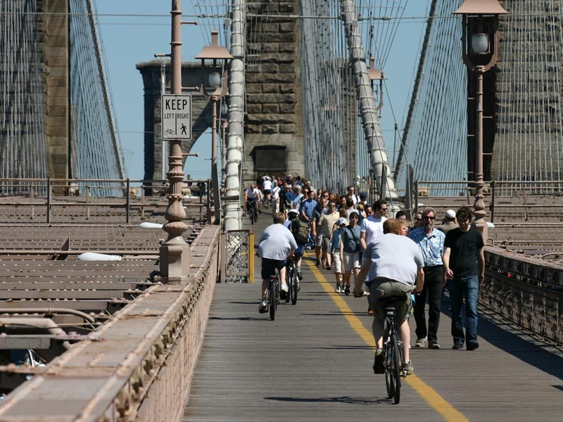 brooklyn_bridge_walk_12june04