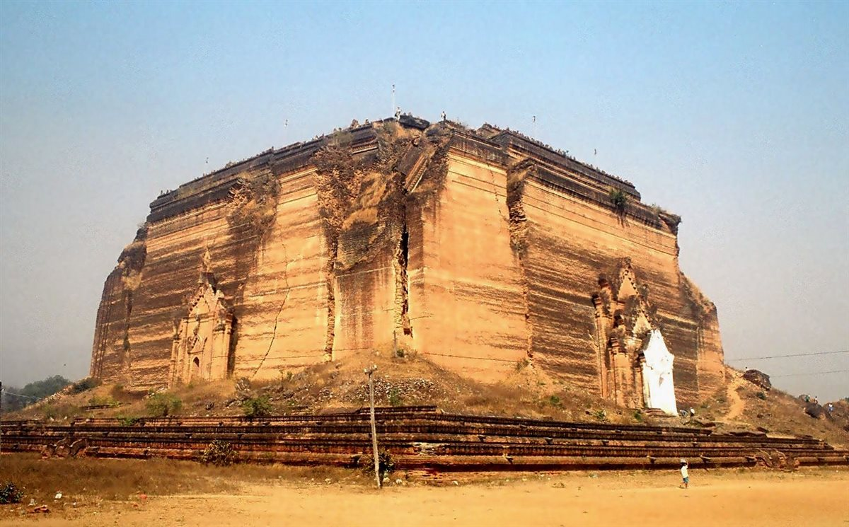 Mingun_-_Mingun_Paya_Myanmar_(169495939)