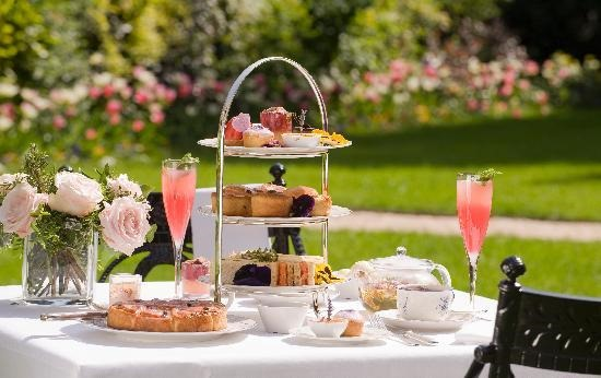 afternoon-tea-on-the