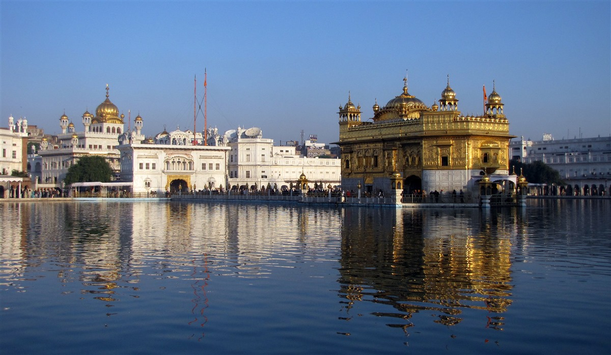 Akal_Takht_and_Harmandir_Sahib_Amritsar_Punjab_India