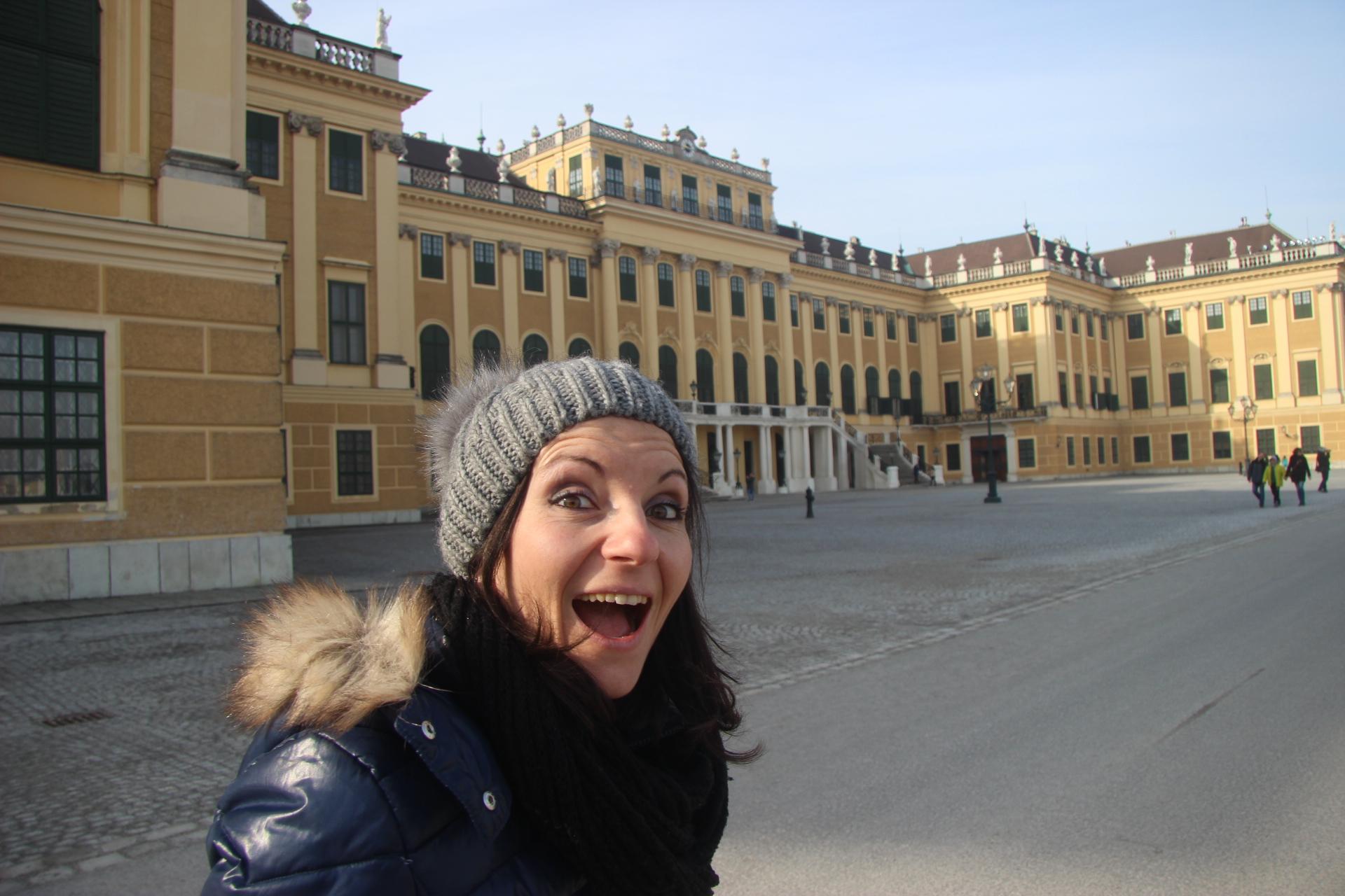 Julie chez Sissi Vienne