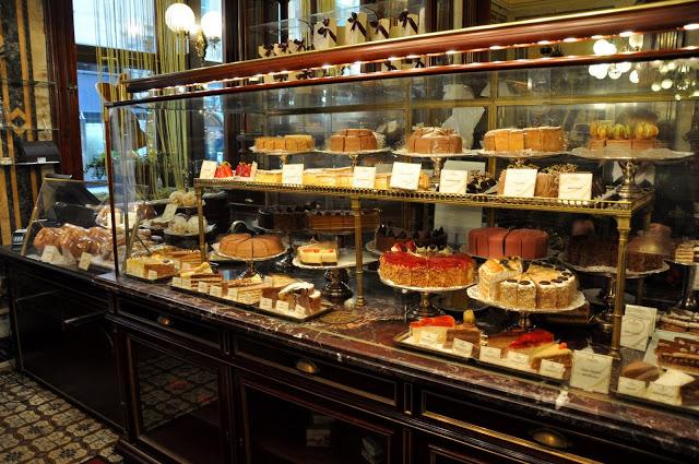 Vienna-Austria-Demel-pastry-case
