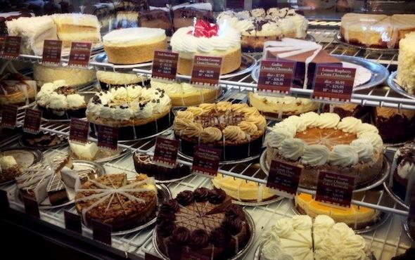 cheesecake-factory-waikiki-f